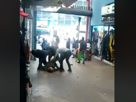 Robbery in small street mall