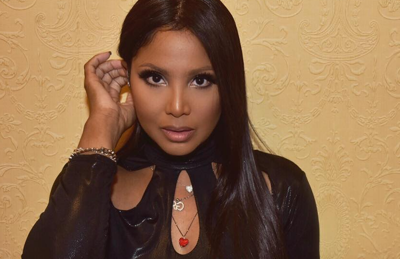 yikes toni braxton openly confesses to not liking her family