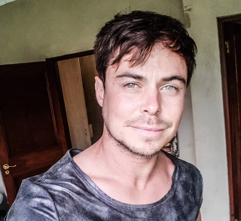 items stolen from bobby van jaarsveld s bags at o r tambo airport
