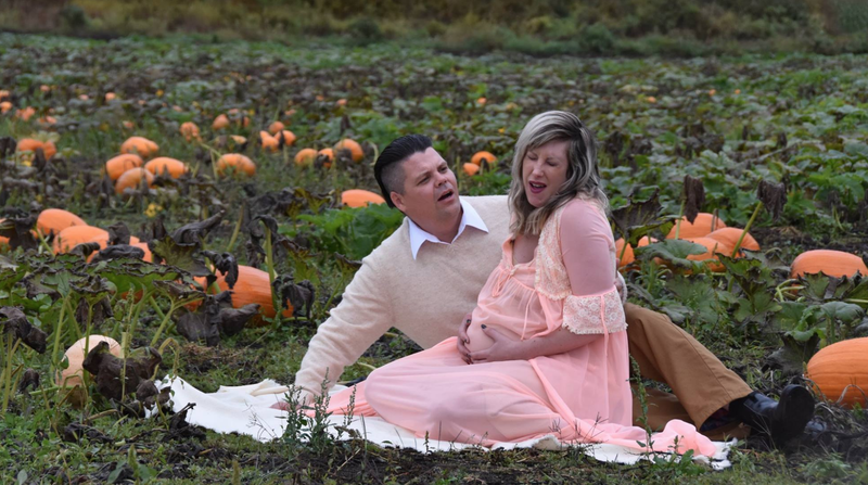 Halloween themed pregnancy shoot