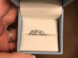 engagement ring shaming reddit