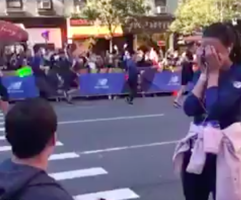 Man proposes to girlfriend during marathon