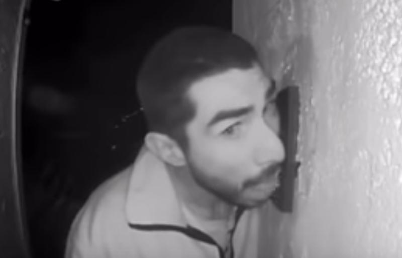 Man licking doorbell / YouTube