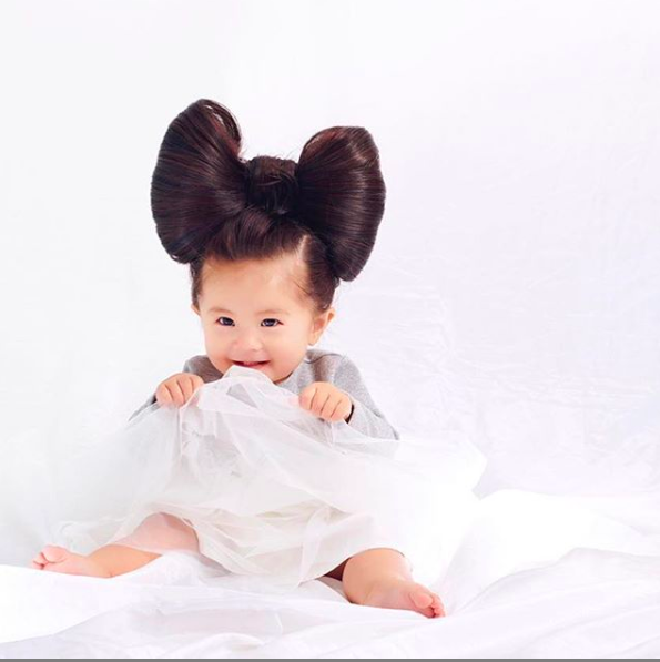 Baby goes viral for thick hair and becomes shampoo model