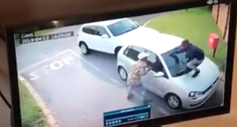 Woman hijacked in Randburg