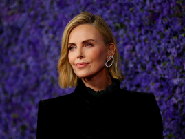 Charlize Theron teaches Hollywood star Afrikaans