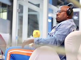 Bongani with his mic / Instagram