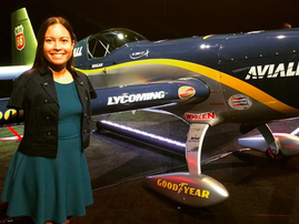 Woman becomes first licensed pilot without arms