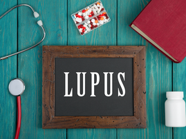 "Blackboard with text ""Lupus"" / iStock"