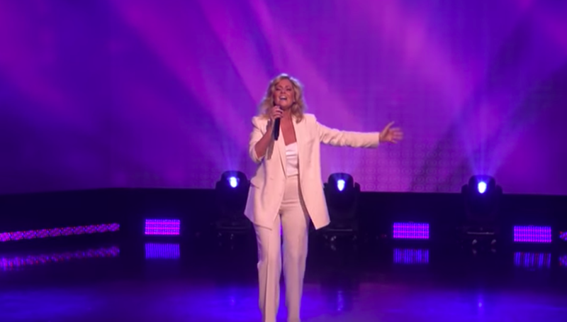 Viral subway singer Charlotte Awbery proves she's the real deal on 'Ellen'