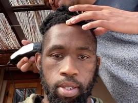 Siya Kolisi gets haircut