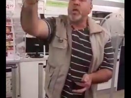 Man refuses to wear mask in public