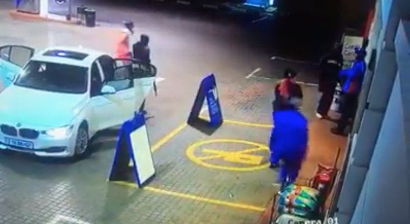 Robbery at filling station