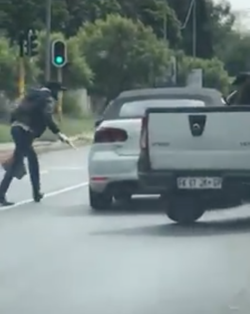 Attempted hijack and robbery in Sandton
