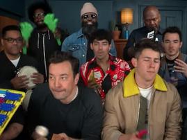 Jonas Brothers performs 'Sucker' / Facebook