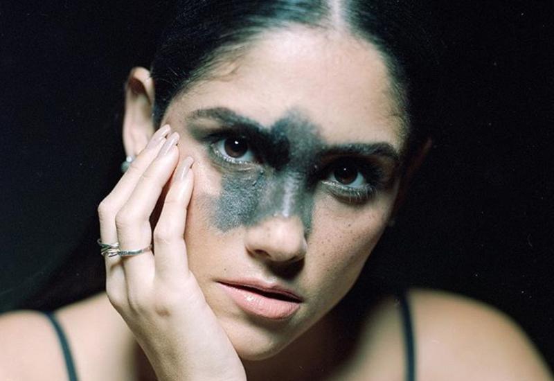 Model Mariana Mendes / Instagram