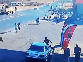 ANGRY BULL KNOCKS OVER WOMAN