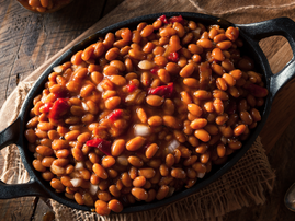 Homemade delicious baked beans salad / iStock