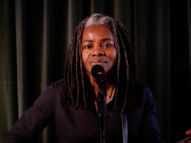 Tracy Chapman Talking about a revolution
