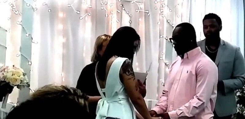 Father crashes his son's wedding, leaves bride in tears
