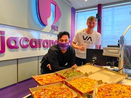Pieter Coetze pizza surprise on Breakfast