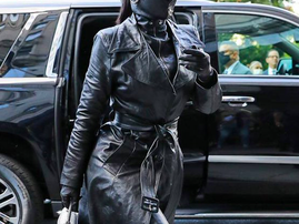 Kim Kardasian all black outfit