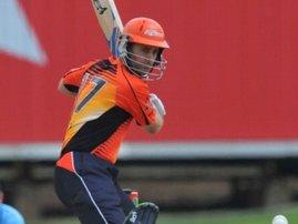Simon-Katich-batting-PS-121023-G300.jpg