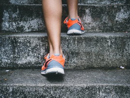How many steps do you take in day? Scientists say that if you reach this new amount helps your health...