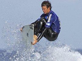 Surfer_TravisLogie_Gallo_1.jpg