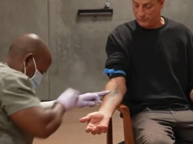 WATCH: Tony Hawk, skateboard extraordinaire sells skateboards that are painted with his blood for R7k