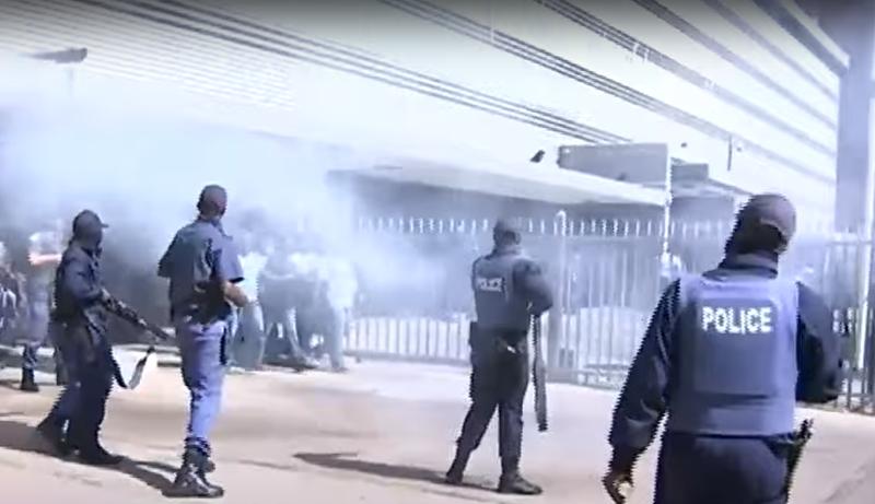 police disperse protesters in Pretoria
