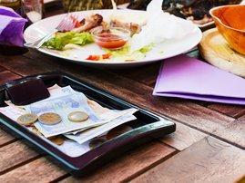 waiter gets tip