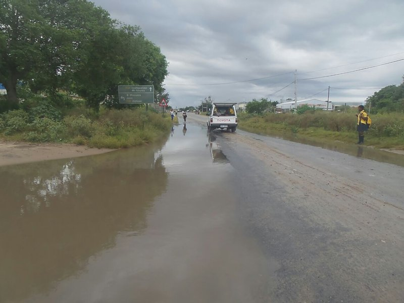 Dineo kills seven as it stays on its predicted path