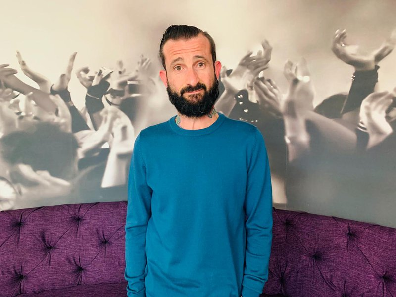 Comedian John Vlismas joins Rian to talk about his new show