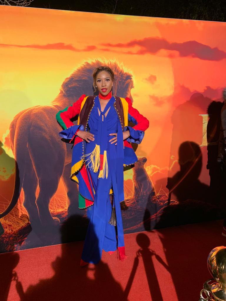 pictures  stars shake their feathers at sa lion king premiere