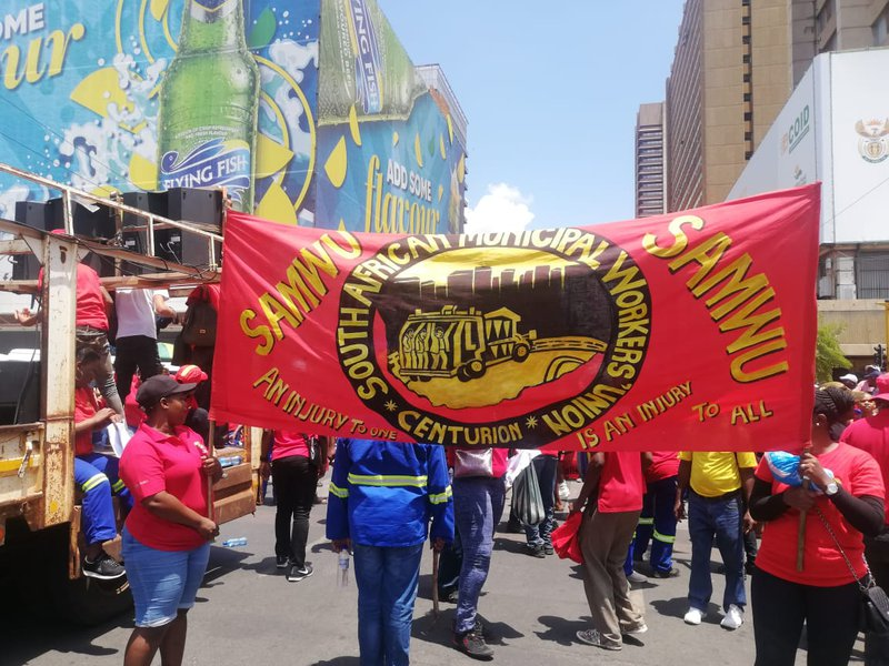 Samwu threatens to 'take over Tshwane'