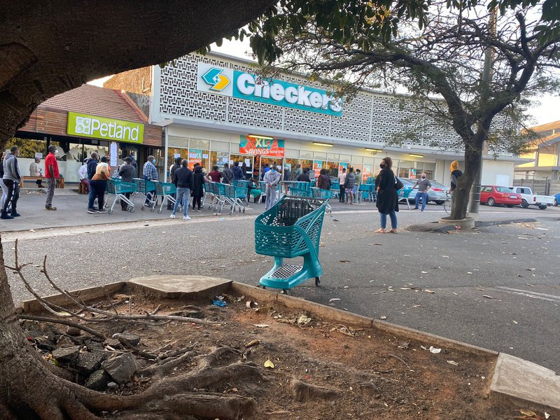 Long queues at some pharmacies, supermarkets in KZN food