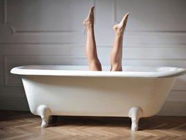 legs in bath