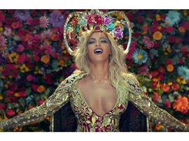 Beyonce in Coldplay video