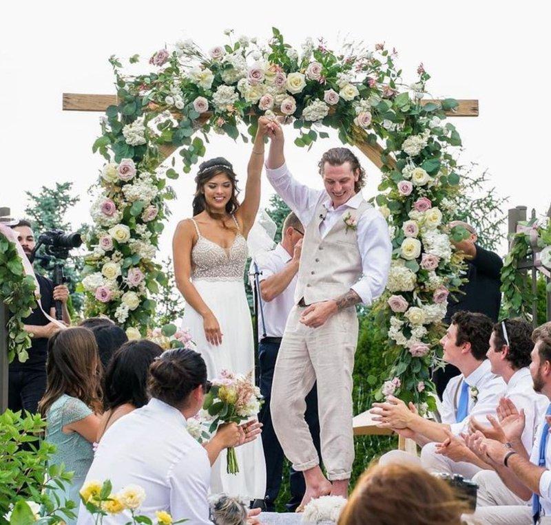 Bride kick lapdance