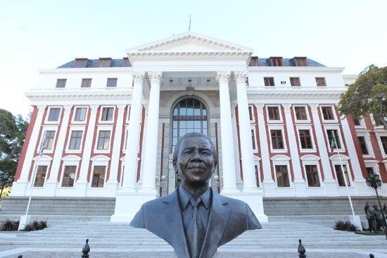 Bust of Mandela
