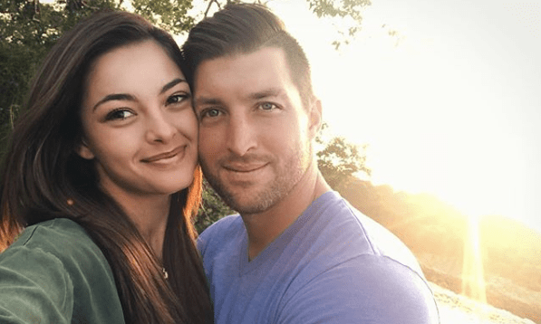 She Said Yes Demi Leigh Nel Peters Engaged To Tim Tebow