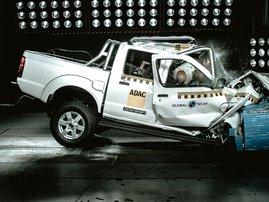 car crash test picture
