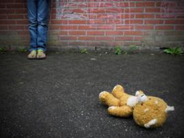 Child abuse, help image
