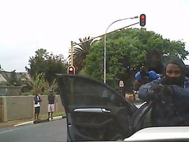 Motorist hijacked at gunpoint in Joburg