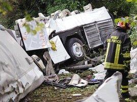 coach crash.JPG