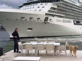 cruiseliner too close