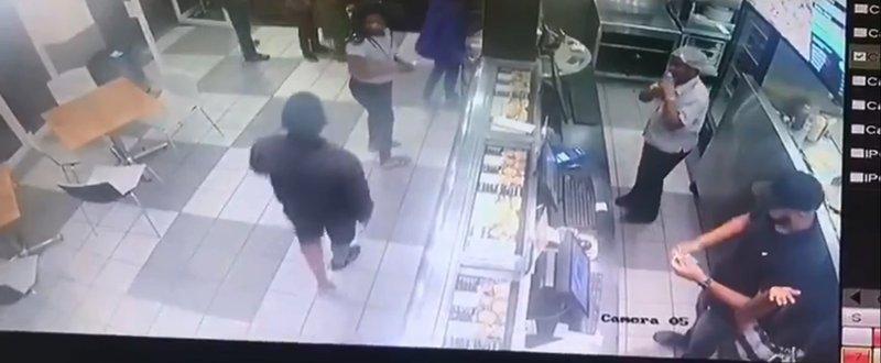 Debonairs robbery in Johannesburg/Pigspotter