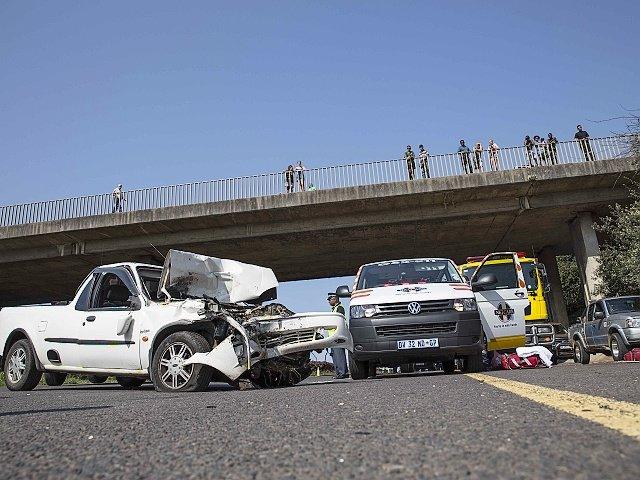 N3 bakkie crash