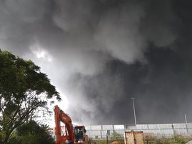 Mesha Naik shares image of fire from Eel Road, Durban